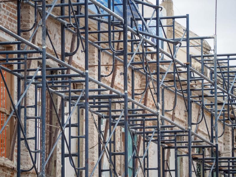 building-restoration-construction-scaffolding