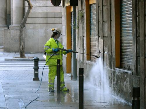 sponge-blasting-cleaning-exterior